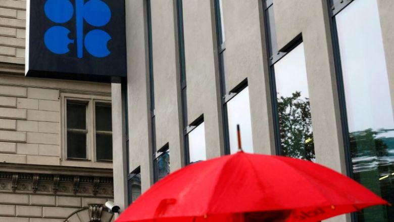 Az OPEC készül az újabb hosszabbításra, de a feszültség tapintható