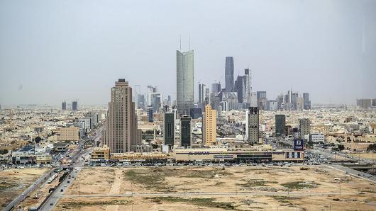 Szaúdi dilemma: valóban jó ötlet a 100 dolláros olajár?