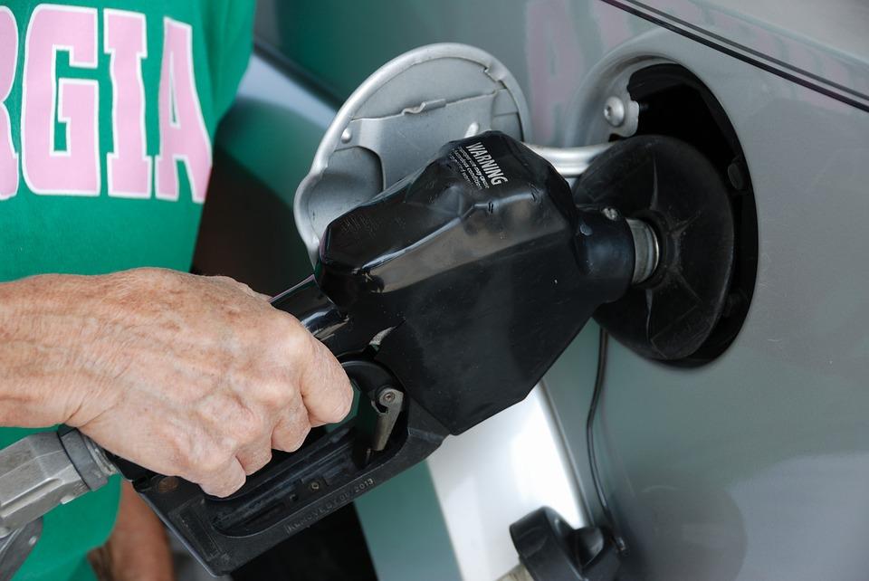 Üzemanyag áremelkedés határok nélkül