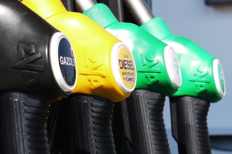Miért szállt el a dízel üzemanyag ára a benzinhez képest?